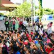 外国人監督の•••アグン山 避難キャンプの子供達に笑顔を❕