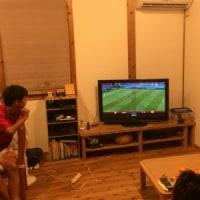 深夜のサッカー観戦
