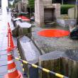 2004年JR岐阜駅南口広場の「壁泉」でのインスタレーション搬入の様子。。。