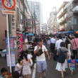商店街の夏祭り(Summer festival of the local shopping street)