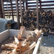 薪の積み込み