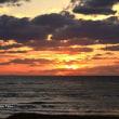 穏やかな日本海の夕焼け