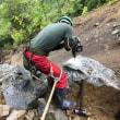 北川村安倉、ひきつづき岩を割ってます。