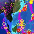 地震のライブを見ると日本は地震の帯の上にあります。中国でも東側は地震は少ないです。西側は地震が数多くあるようです。