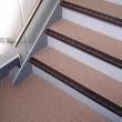 水に濡れても滑りにくいシートで安全  マンションの廊下と階段が安全で快適になりました