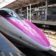 初御目見得 Hello Kitty 新幹線