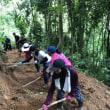 タイのNGOで山岳民族支援のボランティア、夏休みを利用してたくさんのボランティアが来ている