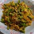 夕食はゴーヤーのキムチ炒めと十六穀米のとろろご飯でした(^_-)-☆