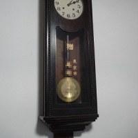 お寺、古い時計