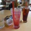 バラのジュースとアイスコーヒー