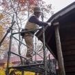 冬支度の前に屋根を修理しました