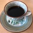 コーヒーカップとCDプレーヤー