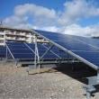 可動式の太陽光パネル、これすごいよね! どこまでも太陽を追いかける!