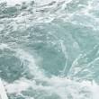 船の真横から撮影した渦潮その3    投稿者:佐渡の翼
