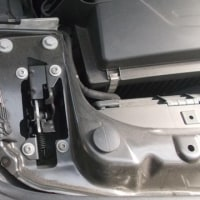 【静電気対策:何故車が汚れたり、電気系のパーツが壊れてくるのか原因が見えてきたと思います】カーコーティングはボディーだけの時代から静電気拡散出来る事が重要なんです。