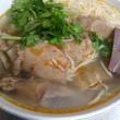 [気温26℃][晴れ] ベトナム朝ごはんを食べていて