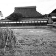 茅葺き民家 モノクロ 兵庫県篠山市の民家
