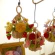 新作紹介(*^^*)レース編みリースや花カゴ&リアルなミニチュアパンの壁かけ☆レンタルボックスのフリマボックスミオカ店
