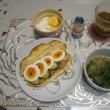 ベジ玉クロワッサンドの朝ご飯(疲労軽減マットと掃除の手始め)