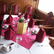 アユタヤからバンコックに帰るときは小型の豪華線が最適です、船内は高級レストラン、