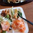 ねばねばオクラと野菜たっぷりで健康志向のお昼ご飯だ~~!