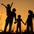 虐待や家庭内暴力の解決には「信仰心」による調和が不可欠  ザ・リバティWeb