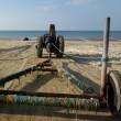 海に入るトラクター