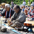 シンヌラッパ、祈りささげる ポンアヨロ海岸で先祖供養祭