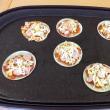 餃子の皮でピザ作り