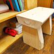 小さな机? 椅子? 何に使用するの?