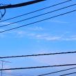 5/21 電線の間から見える雲を撮る