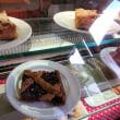 ドロミテ渓谷の山小屋レストランで見つけた地元菓子@北イタリア