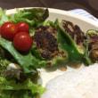 9/21(木)夕食(ピーマンの肉詰め、サラダ、ライス)。Camera(iPhone 6 Plus)。