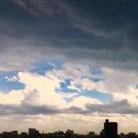 雨雲がまるで台風のようなんだが。