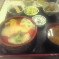 昼飯:海鮮丼