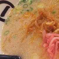 博多拉麺KAZU(カズ)さん・・一杯やりながら。夫は替え玉【長岡市】