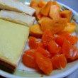 定番の朝食づくり 「柿・みかん三昧」 続いてる
