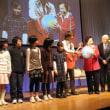 堂本県知事と子供たち握手