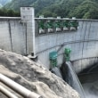 小渋ダム、放流してました。