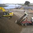 多摩川の配水口工事