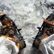 雪の高尾山をハイキング
