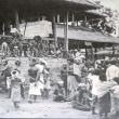 スラウェシ島で母親の棺が息子を直撃