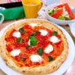 ファミレスのピザ