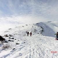 八方尾根スキー場 輝く山に青い空