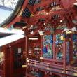 寺院の装飾は色鮮やか