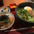 今日のランチは雉焼き丼&冷麺!