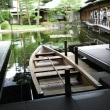 素朴な館(奈良)、 贅沢な館(京都)