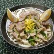 豚ロース肉と舞茸できりたんぽ鍋味うどんの朝