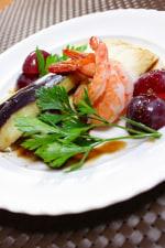 梨と海老のサラダ 柚子胡椒入りバルサミコソース