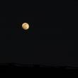 夕方5時の月